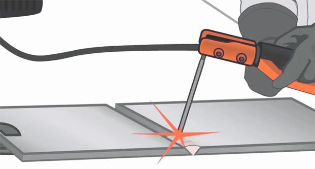 soldar usando un porta electrodos y un electrodo revestido